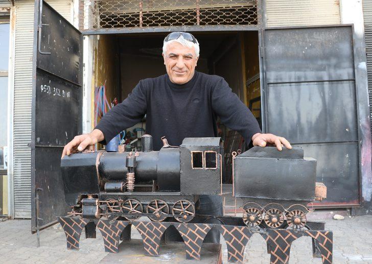 Mardin'de 20 yıldır yük treni görülmedi! Maketini yaptı, herkesi ağlattı!
