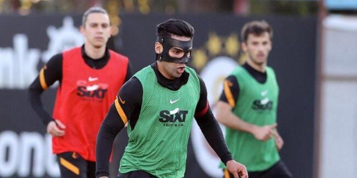 Falcao maskeyle geri döndü