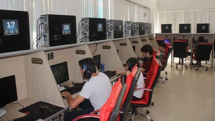 Elektronik oyun yerleri, bilardo salonları ve internet kafeler açık mı? İnternet kafeler ne zaman açılacak?