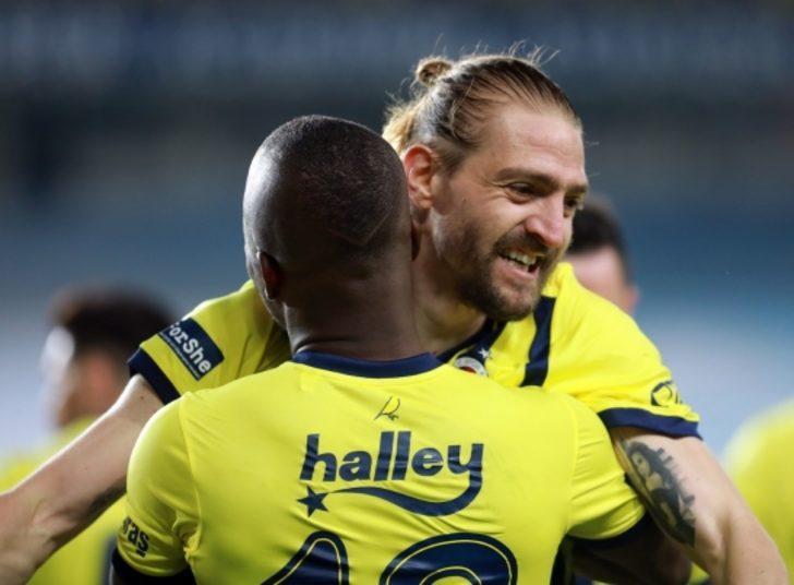 Fenerbahçe'de Caner Erkin asistleriyle Galatasaray'ın beklerini geride bıraktı!