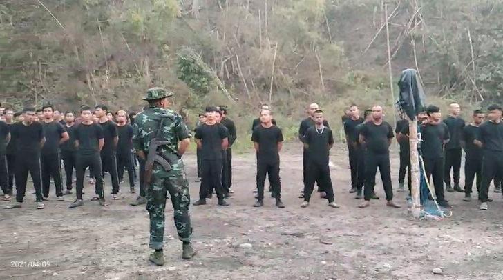 Myanmar'da çatışmalar başladı: 10 asker öldü!