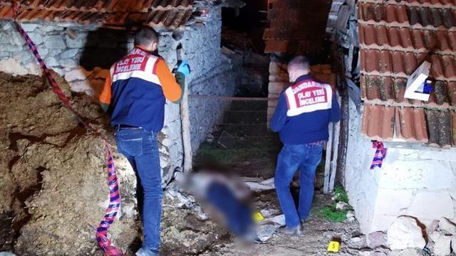Kütahya'da elektrik sayacının sökülmesi nedeniyle çıktığı öne sürülen kavgada silahla vurulan kişi öldü