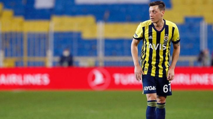 Fenerbahçe'de Mesut Özil dikkatleri üzerine çekti