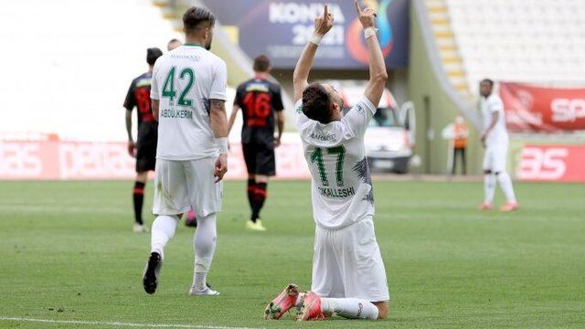 Konyaspor farka koştu, Süper Lig'de kalmayı garantiledi