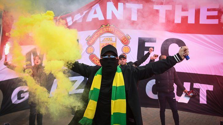 Manchester United protestoları: 16 yıldır biriken tepkiler açığa çıktı