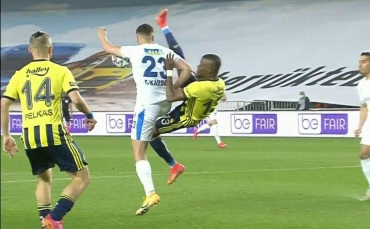 VAR izledi, Fenerbahçe penaltı kazandı