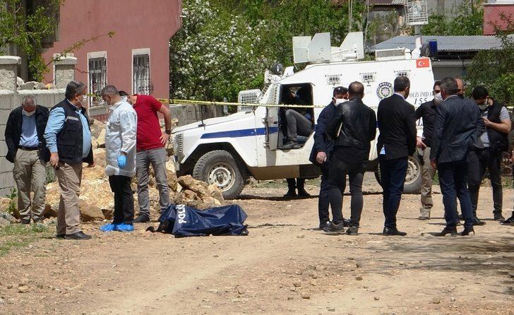 Van'da kan donduran olay! Sokak ortasında yakılmış ceset bulundu