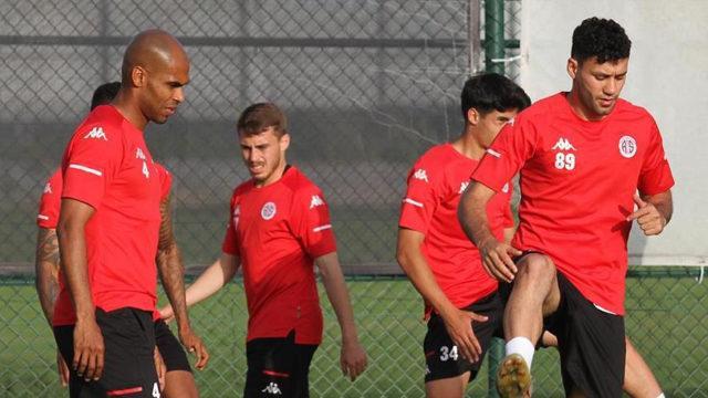 Antalyaspor'un gol umudu Amilton ve Fredy