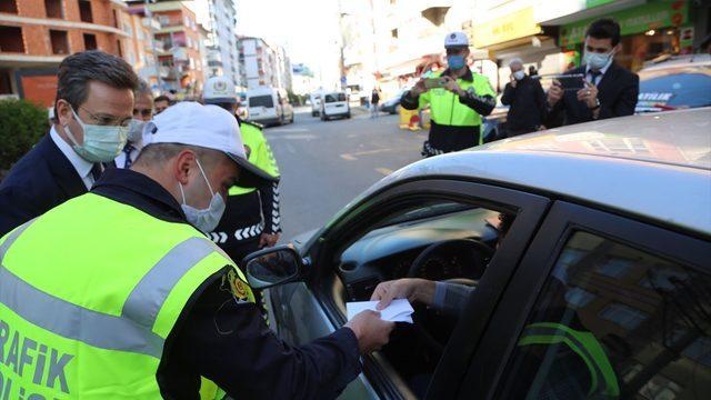 Giresun'da polis olma hayali kuran engelli genç, ekiplerle trafik denetimine katıldı