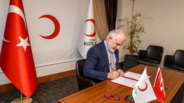 Türk Kızılay ile TÜRES, restoran ve turizm çalışanlarına destek için iş birliği protokolü imzaladı
