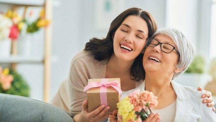 Annesi olmayanlar için anneler günü mesajları neler? Annesi vefat edenler için anneler günü mesajları...