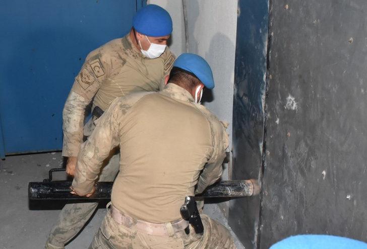 İzmir'de peş peşe kumarhane operasyonu! HES koduyla almışlar