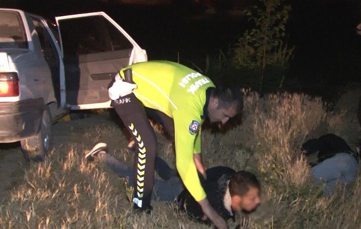 Çalıntı araçla başka şehre gezmeye giden 3 kişi, 88 kilometrelik kovalamacayla yakalandı