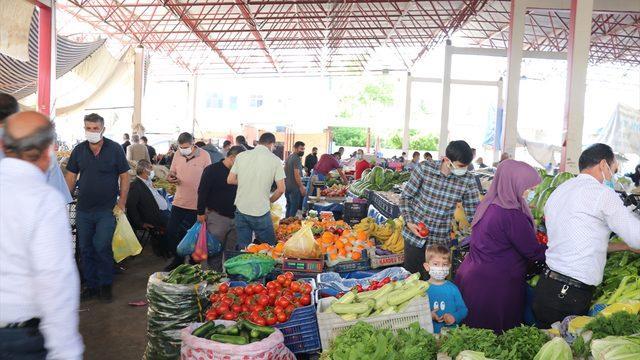 Siirt ve Şırnak'ta pazar yerleri Kovid-19 tedbirleri alınarak açıldı