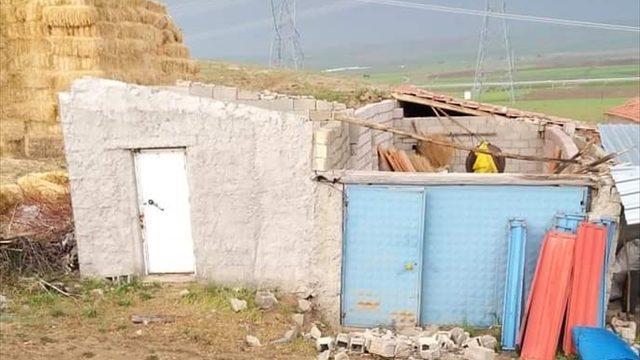 Aksaray'da fırtına hayatı olumsuz etkiledi