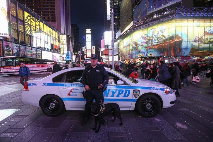 New York'ta Times Meydanı'nda silahlı saldırı: Yaralılar var