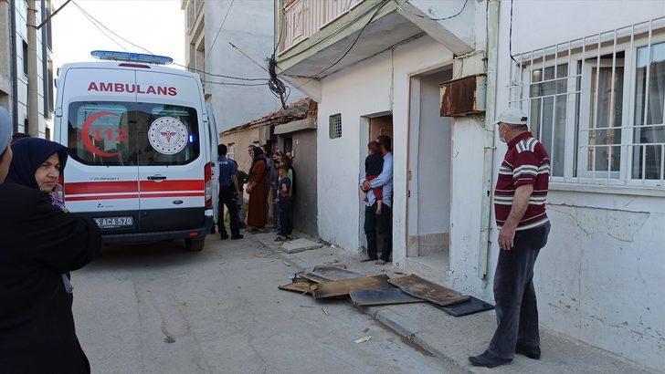 Manisa'da Afganistan uyruklu kişi eşini bıçakla yaraladı