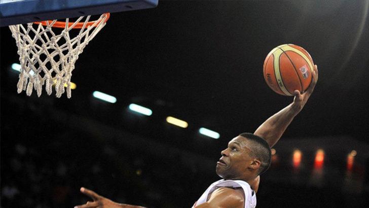 Russell Westbrook, NBA rekoru kırdı