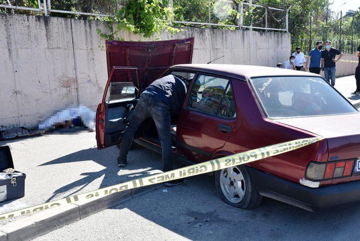 Korkunç ölüm: Otomobille kaldırım arasına sıkışarak can verdi