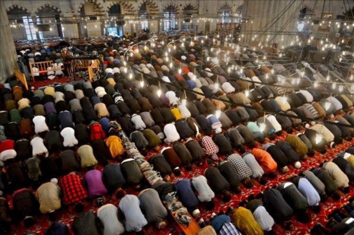 Ramazan bayramı namazı nasıl kılınacak? Bayram namazı kaç rekat?