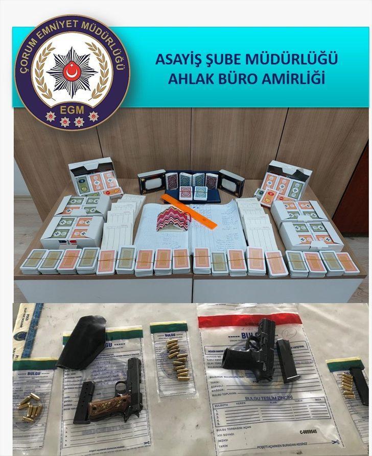 Çorum'da dernek merkezinde kumar oynadığı belirlenen 9 kişiye para cezası verildi