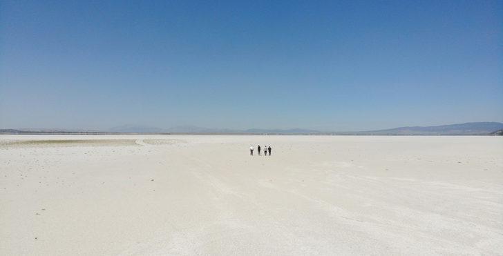 Dünyanın 2. büyük doğal sodyum kaynağı Acıgöl can çekişiyor