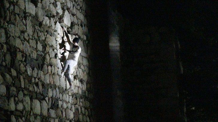 Sekiz metre tırmanmış! Çorum'da 'örümcek adam' alarmı