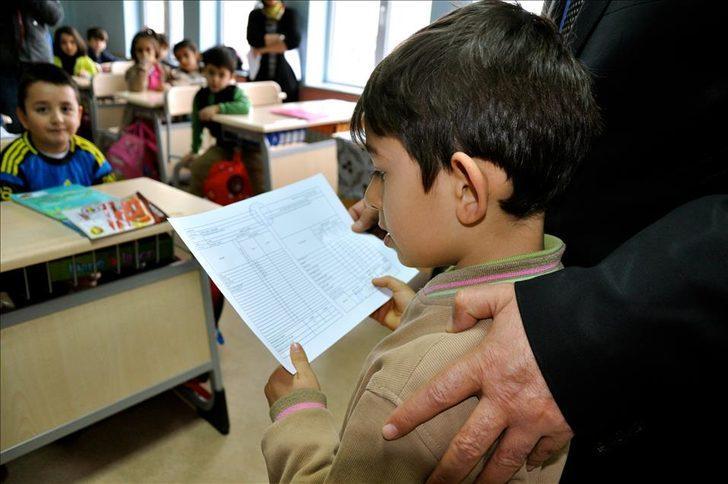 Okullar ne zaman kapanacak? Karneler ne zaman verilecek? Bakan Selçuk'tan açıklama