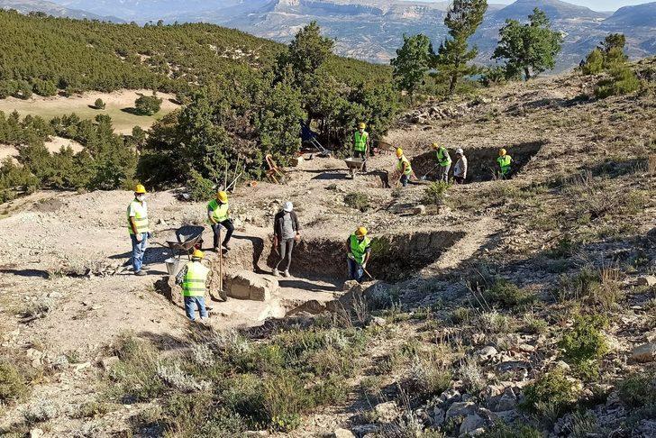 Karaman'ın Ermenek ilçesindeki antik kazılar kaldığı yerden devam ediyor