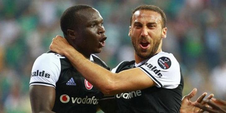 Cenk Tosun, Beşiktaş'tan ayrıldığını açıkladı