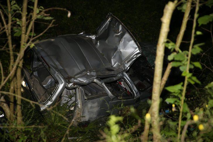 Ordu'da hafif ticari araç fındık bahçesine yuvarlandı: 2 ölü