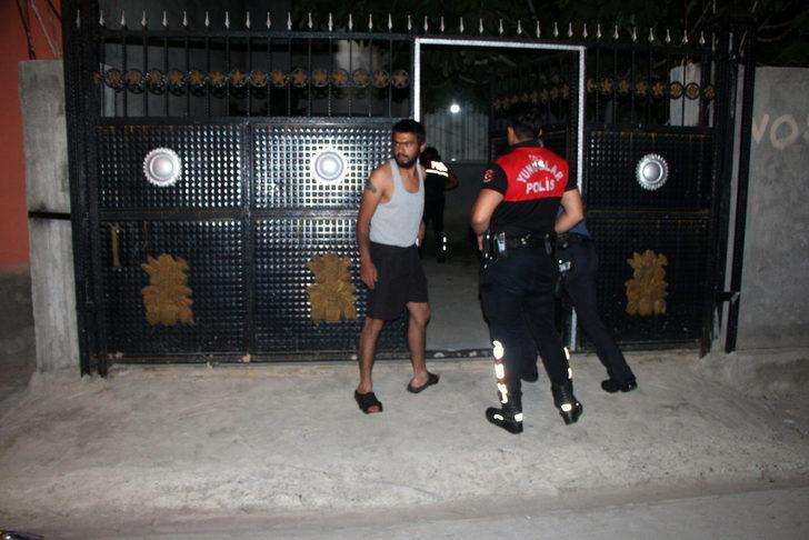 Adana'da hareketli gece! Silahlı kavgada sokakta oynayan 5 yaşındaki çocuk göğsünden vuruldu