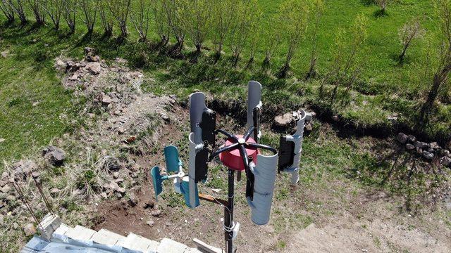 ABD'den Ağrı'daki köyüne dönüp kendi imkanlarıyla yaptığı rüzgar panelinden elektrik üretti