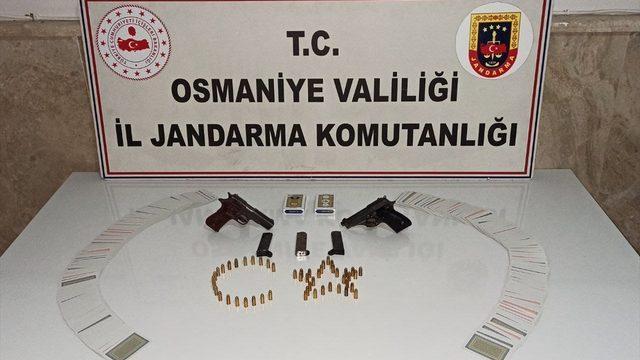 Osmaniye'de kumar oynayan ve Kovid-19 tedbirlerini ihlal eden 12 kişiye para cezası kesildi