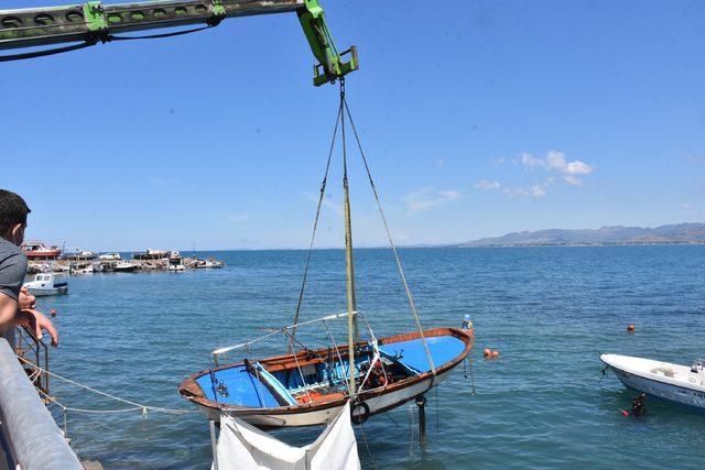 dikilide-batan-tekneler-cikariliyor_6014_dhaphoto3