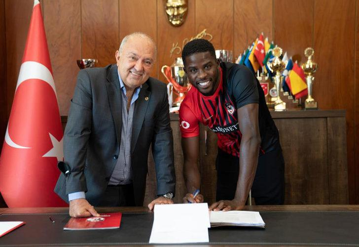 Gaziantep FK, Djilobodji ile 3 yıllık sözleşme uzattı