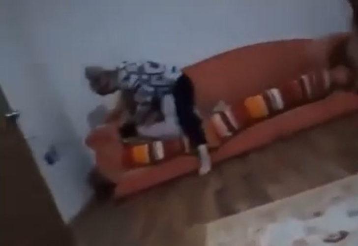 8 yaşındaki kızını darbeden anne tahliye olunca kızının ayağına sarılarak af diledi