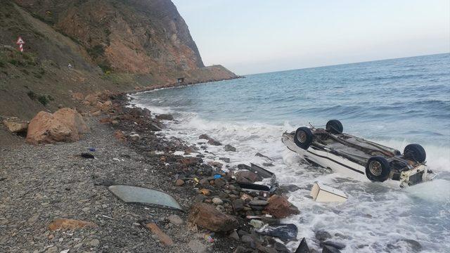 Tekirdağ'da denize devrilen otomobildeki 5 kişi yaralandı