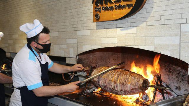 Erzurum'daki cağ kebabı işletmecileri kademeli normalleşmeyle kapılarını açtı