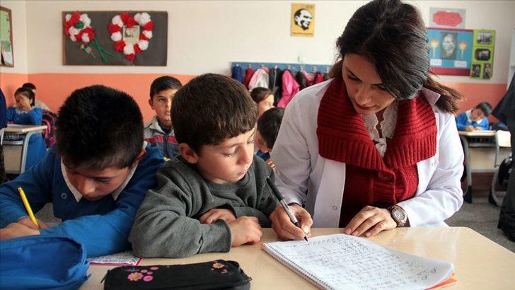 MEB takvimini güncelledi! | Ertelenen sözleşmeli öğretmenlik mülakatları ne zaman yapılacak?