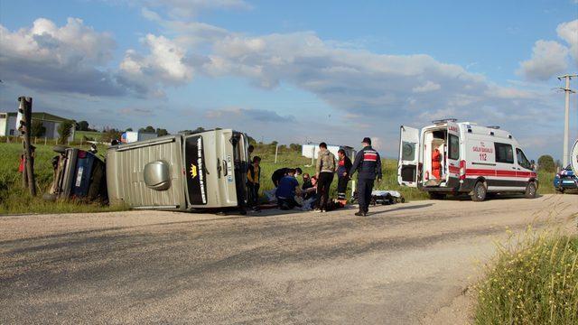 Bilecik'te minibüsle otomobil çarpıştı: 6 yaralı