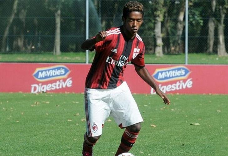 İtalya'da eski futbolcu ırkçılık nedeniyle intihar etti