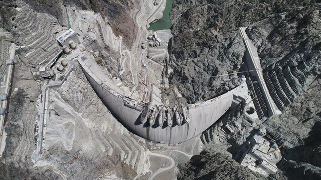 turkiyenin-en-yuksek-barajinin-su-tutacagi-tarih-belli-oldu_2939_dhaphoto2