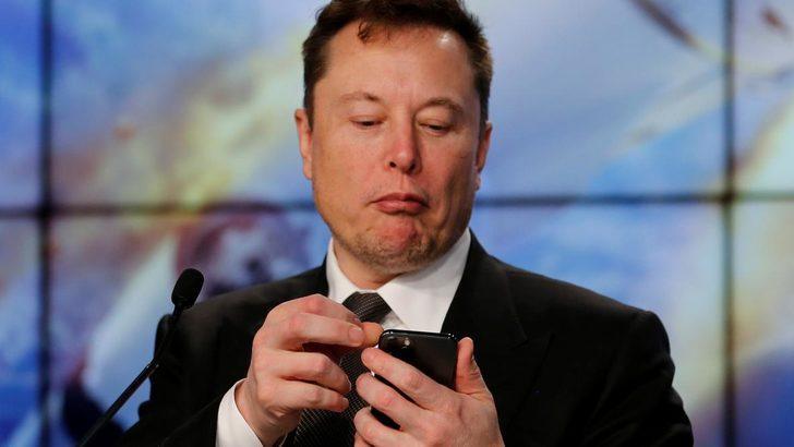 Elon Musk bu sefer sadece emoji koydu, Cumrocket coin yüzde 366 yükseldi