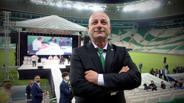 Bursaspor'un yeni başkanı Hayrettin Gülgüler mazbatasını aldı