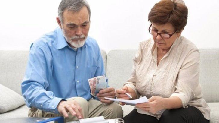 SGK ve Bağkur emeklilerine 460 TL! Emekli Sandığı'ndaki emeklilere ilave ödeme yapılacak