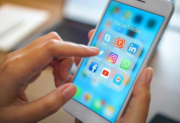 Sosyal medya kullanan ebeveynlere önemli uyarı!