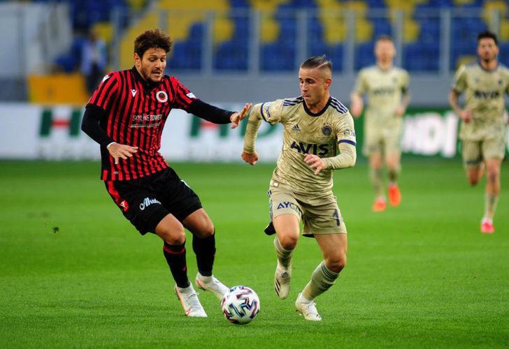 Napoli Fenerbahçeli yıldız Pelkas'a talip
