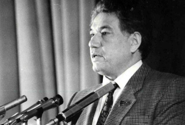 Cengiz Aytmatov kimdir? |Cengiz Aytmatov ölümünün 13'üncü yılında anılıyor