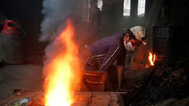 UNICEF: Çocuk işçilerin sayısı son 20 yılda ilk kez artış gösterdi, pandemi milyonlarca çocuğu işçiliğe itti